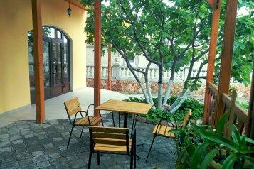 Гостевой дом в пгт Береговое, улица Кипарисная, 31а на 9 номеров - Фотография 3