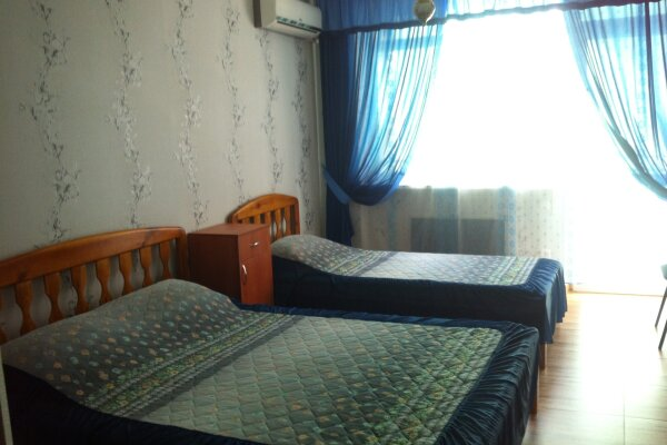 Гостевой дом, Парниковая, 2 на 11 номеров - Фотография 1