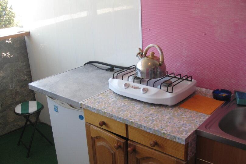 Домик (розовый), 16 кв.м. на 2 человека, 1 спальня, Ленина, 21, Алупка - Фотография 2