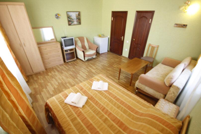 Полу-люкс 2-х 3-х местный 1-но комнатный , улица Единство, 27, Лазаревское - Фотография 1