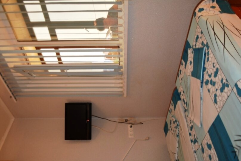 1-но комнатный 2-х местный, улица Кирова, 44, Геленджик - Фотография 1