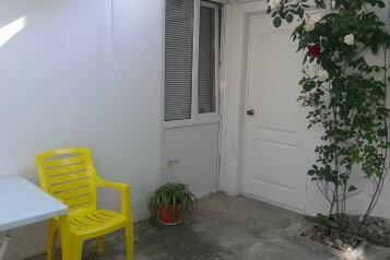 Сдам однокомнатный домик (эконом), улица Вити Коробкова на 3 номера - Фотография 1