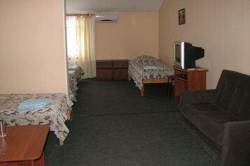 Пятиместный:  Номер, Стандарт, 6-местный (5 основных + 1 доп), 1-комнатный, Отель, Ленинградское шоссе на 27 номеров - Фотография 4