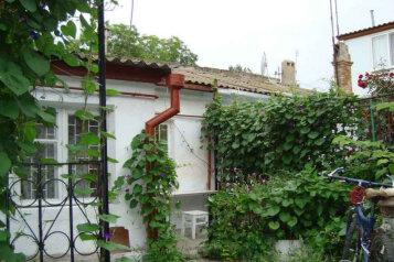 Сдам  дом по ул. Приморской, 25 кв.м. на 4 человека, 1 спальня, Приморская улица, 16, Евпатория - Фотография 1