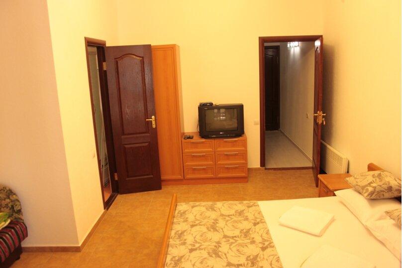 Северо-запад 2 этаж, Ленина , 35Б\1, Алупка - Фотография 5