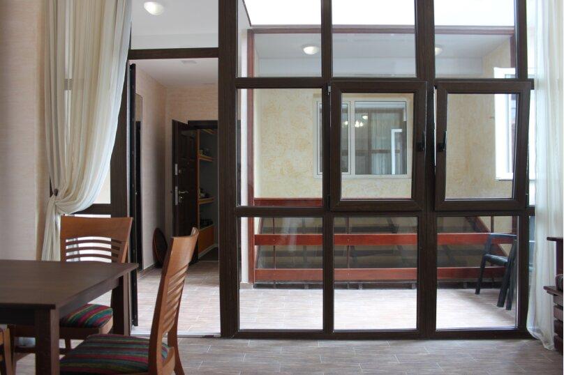 Северо запад 3 этаж, Ленина , 35Б\1, Алупка - Фотография 1