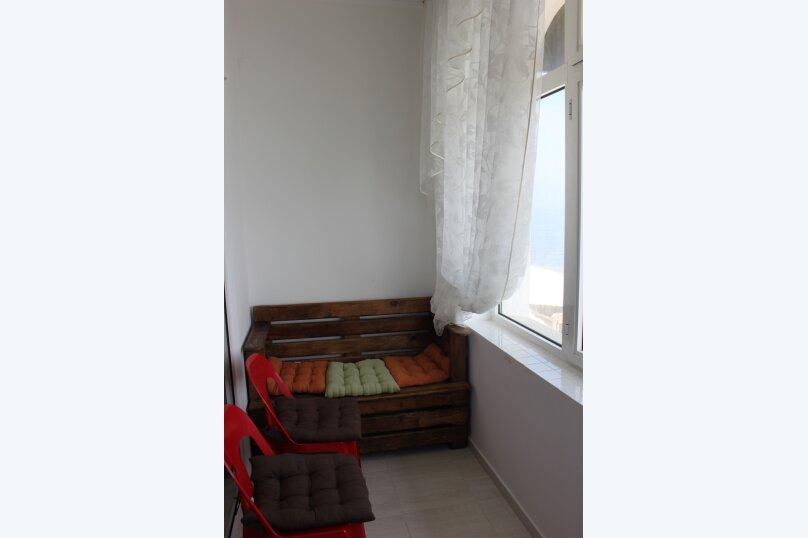 Юг второй этаж балкон, Ленина , 35Б\1, Алупка - Фотография 3