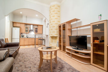 2-комн. квартира, 55 кв.м. на 5 человек, Пушкинская улица, 6, Санкт-Петербург - Фотография 1