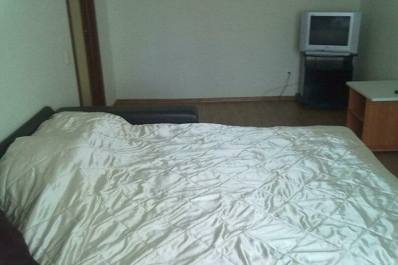 1-комн. квартира, 39 кв.м. на 5 человек, улица Захаренко, 5, Челябинск - Фотография 3