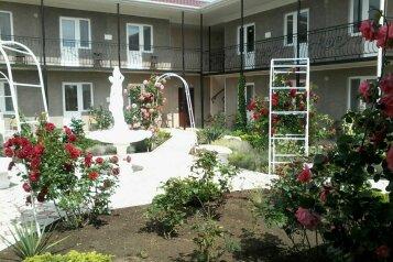 Мини-гостиница, широкая, 10 на 19 номеров - Фотография 1
