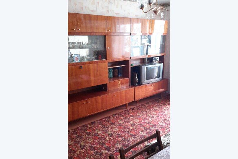 3-комн. квартира, 70 кв.м. на 6 человек, бульвар Старшинова, 10, Динамо, Феодосия - Фотография 2