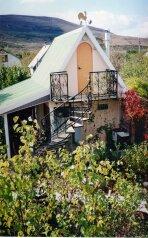 """Недорогой уютный домик с бассейном на семью 2-4 человека, 35 кв.м. на 4 человека, 2 спальни, СТ""""Волна"""", 35, поселок Орджоникидзе, Феодосия - Фотография 1"""