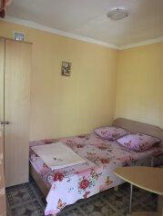 """Недорогой уютный домик с бассейном на семью 2-4 человека, 35 кв.м. на 4 человека, 2 спальни, СТ""""Волна"""", 35, поселок Орджоникидзе, Феодосия - Фотография 2"""