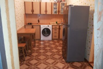 2-комн. квартира, 45 кв.м. на 7 человек, Татарская улица, Евпатория - Фотография 1