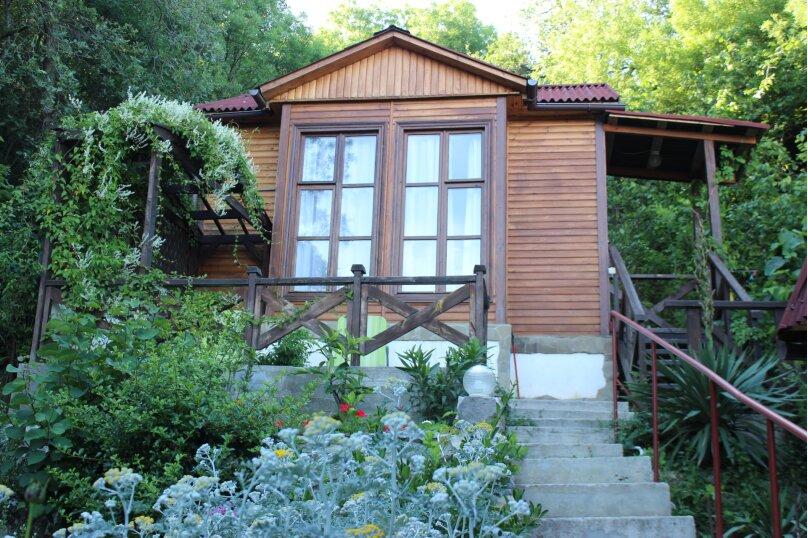 Уютный домик среди зелени, 18 кв.м. на 3 человека, 1 спальня, улица Ленина, 36, Алупка - Фотография 1