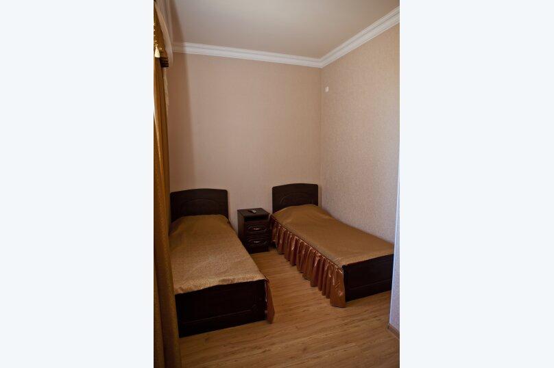 """Гостевой дом """"Карина"""", Краснодарская, 19 на 20 комнат - Фотография 11"""