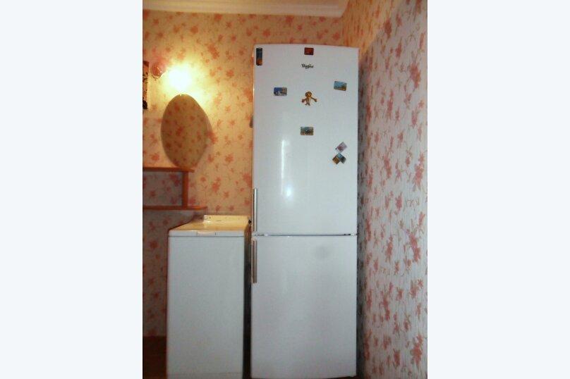 3-комн. квартира, 50 кв.м. на 6 человек, улица Ленина, 13, Штормовое - Фотография 2