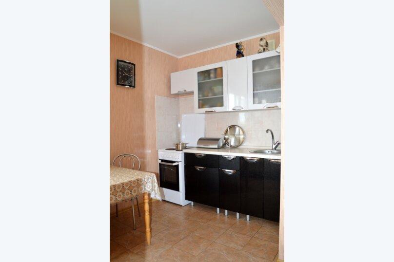 1-комн. квартира, 40 кв.м. на 3 человека, улица Адмирала Фадеева, 1, Севастополь - Фотография 1