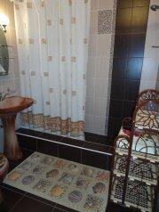 Два комфортабельных домика(двор), 80 кв.м. на 7 человек, 2 спальни, улица Карла Маркса, Алушта - Фотография 3