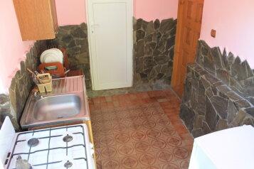 Двухкомнатный дом 5мин,до моря с личной площадкой  для отдыха,мангал, комнаты смежные., 60 кв.м. на 5 человек, 2 спальни, Красномаякская улица, Симеиз - Фотография 2