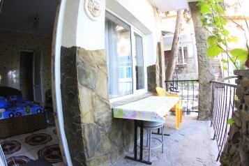Уютный 1 -комнатный 5мин,доморя  с балконом и двором по номерам, 27 кв.м. на 3 человека, 1 спальня, Красномаякская улица, 1А, Симеиз - Фотография 2