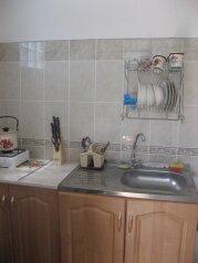 Коттедж на две семью с кухнями и санузлами, 60 кв.м. на 6 человек, 2 спальни, Тихая, 14 а, поселок Орджоникидзе, Феодосия - Фотография 2