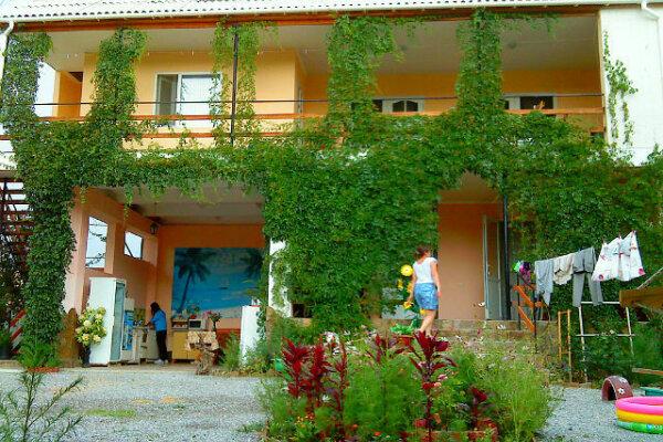 Гостевой дом, улица Кузнецов, 16 на 10 номеров - Фотография 1