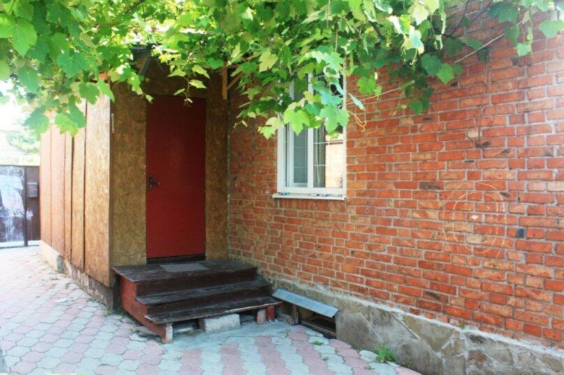"""Гостевой дом """"На Калинина 113"""", Калинина, 113 на 3 комнаты - Фотография 18"""