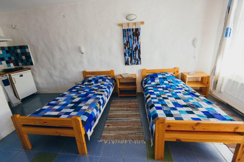 Двухместные номера с двумя раздельными кроватями, улица Блока, 22, Коктебель - Фотография 2