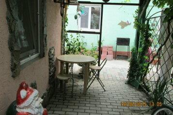 Небольшой уютный коттедж на земле, 14 кв.м. на 2 человека, 1 спальня, Комсомольская улица, 13, Евпатория - Фотография 2