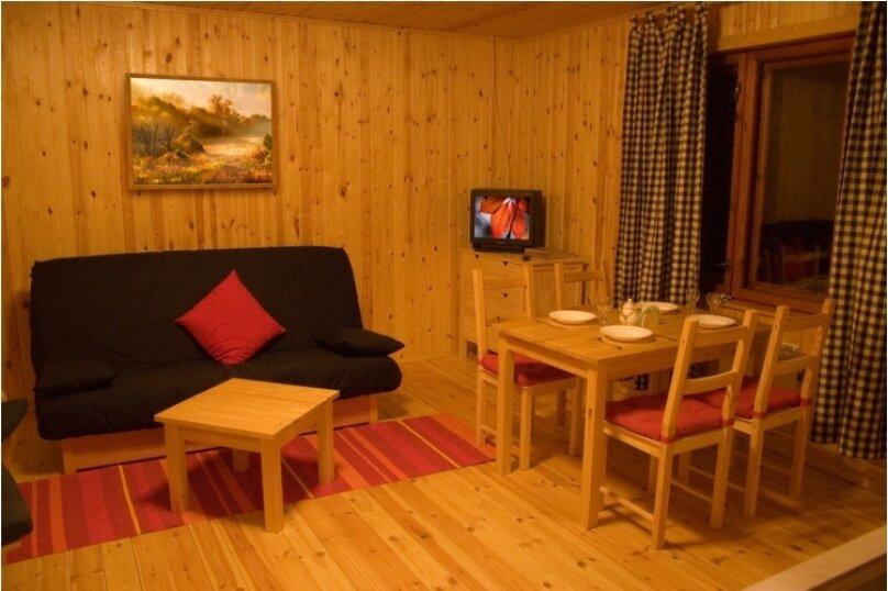 Дом на берегу озера в Карелии, 65 кв.м. на 4 человека, 2 спальни, деревня Кукшегоры, 1, Олонец - Фотография 4
