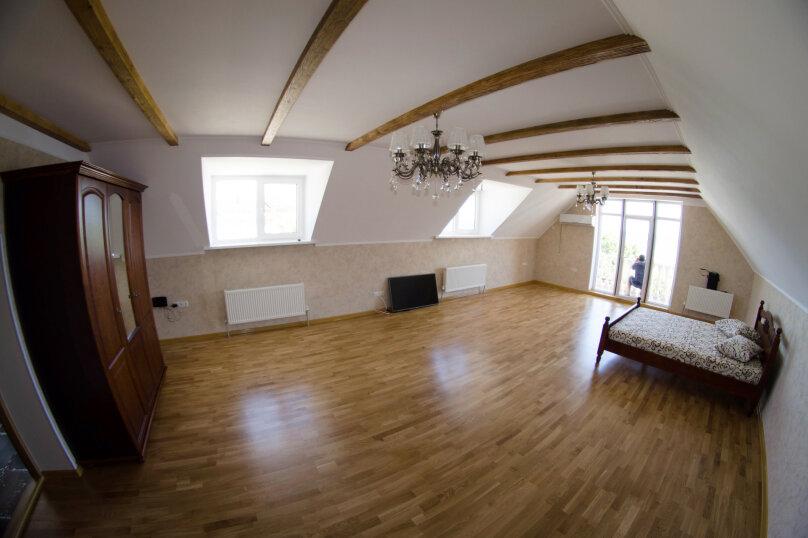 Апартаменты с кухней, Черноморская набережная, 2В, Феодосия - Фотография 1