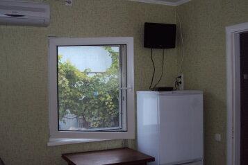 Сдам отдельный двух-комнатный дом, 45 кв.м. на 5 человек, 2 спальни, улица Сладкова, Севастополь - Фотография 3