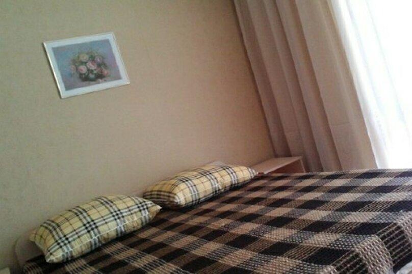 Стандарт 2-х местный  номер с двухспальной кроватью и с дополнительным местом, Коллективная улица, 91А, Кабардинка - Фотография 1