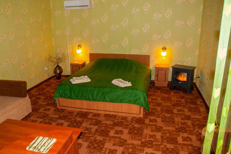 Номер Люкс с отдельным входом, 45 кв.м. на 3 человека, 1 спальня, улица Кирова, 17, Оленевка - Фотография 8