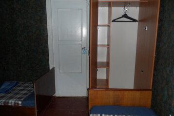 Без удобств:  Номер, Эконом, 3-местный, 1-комнатный, Мини-отель, улица Коцюбинского на 30 номеров - Фотография 2