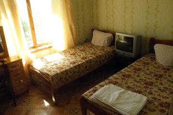 Отдых в Крыму, Гурзуф 1-я половинка, 140 кв.м. на 4 человека, 2 спальни, Пролетарская улица, 19, Гурзуф - Фотография 2
