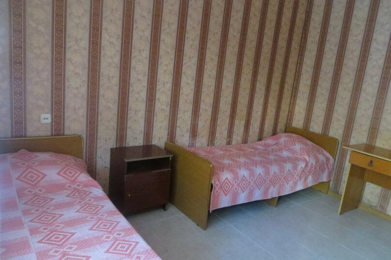 Трехместный с удобствами на этаже, Строителей, 2, Кабардинка - Фотография 1