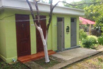 Эконом-стандарт:  Номер, Эконом, 3-местный, 1-комнатный, Гостевой дом, Приморская улица на 12 номеров - Фотография 3