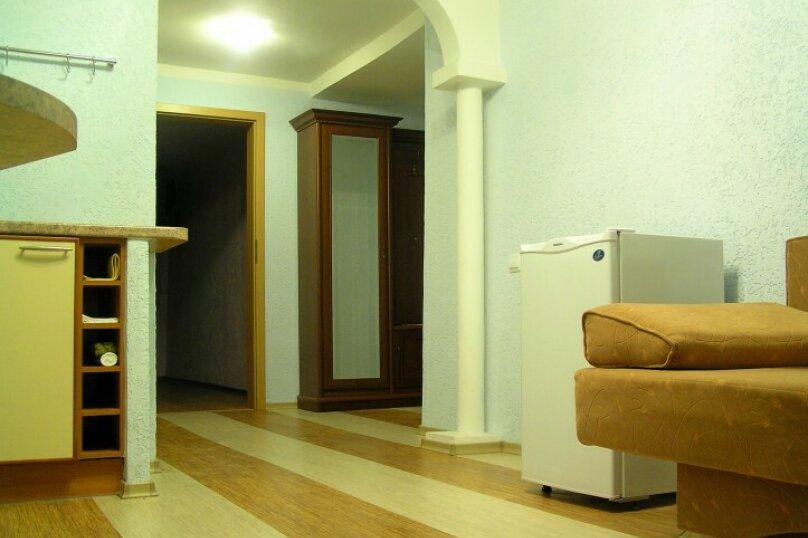 2-х комнатный номер, Гагарина, 39, Севастополь - Фотография 2