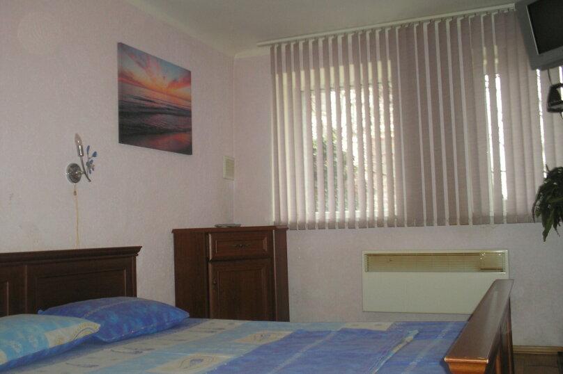2-х комнатный номер, Гагарина, 39, Севастополь - Фотография 3