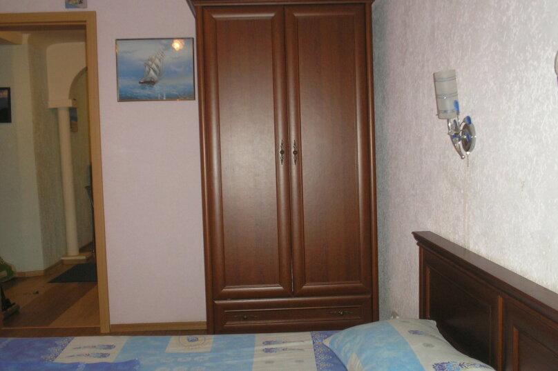 2-х комнатный номер, Гагарина, 39, Севастополь - Фотография 1