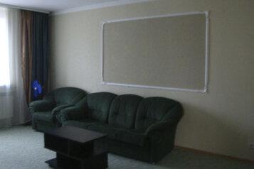 Коттедж для отдыха, второй этаж, 61 кв.м. на 7 человек, 3 спальни, переулок Леонова, поселок Приморский, Феодосия - Фотография 1