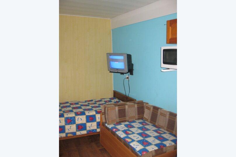 Первый этаж двухэтажного дома. Домик (синий), 11 кв.м. на 2 человека, 1 спальня, улица Ленина, 21, Алупка - Фотография 8