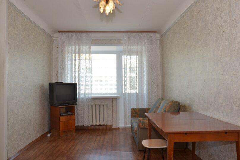 1-комн. квартира, 35 кв.м. на 3 человека, улица Ленина, 49, Пермь - Фотография 1