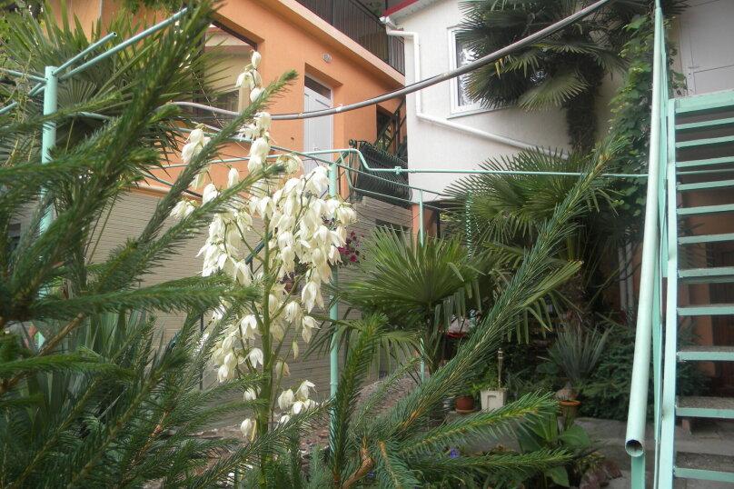 Двухкомнатный с верандой 2й этаж, Пионерская улица, 44, Алушта - Фотография 7