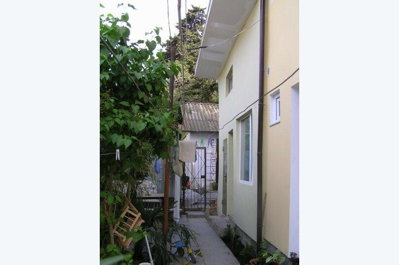 Коттедж для 4-х Однокомнатный в двухуровнях, 30 кв.м. на 4 человека, 1 спальня, улица Руданского, 11, Ялта - Фотография 12