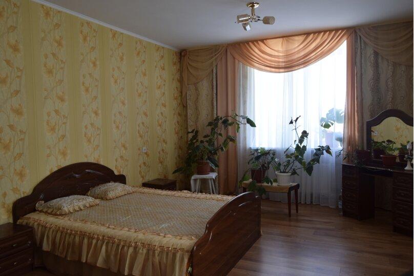 2-комн. квартира, 73 кв.м. на 6 человек, улица Айвазовского, 25А, Судак - Фотография 1