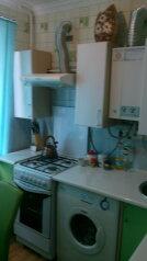 1-комн. квартира, 35 кв.м. на 4 человека, улица Сырникова, 7, Поповка - Фотография 1