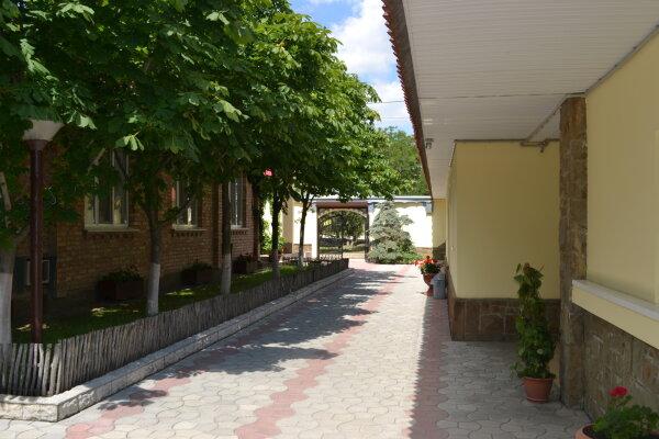 Мотель, улица Ленина, 104 на 25 номеров - Фотография 1